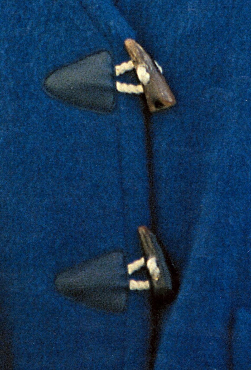 Длинные пуговицы своими руками 58