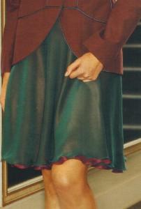 Короткая юбка-колокол