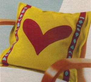 Декоративная подушка из фетра Сердце