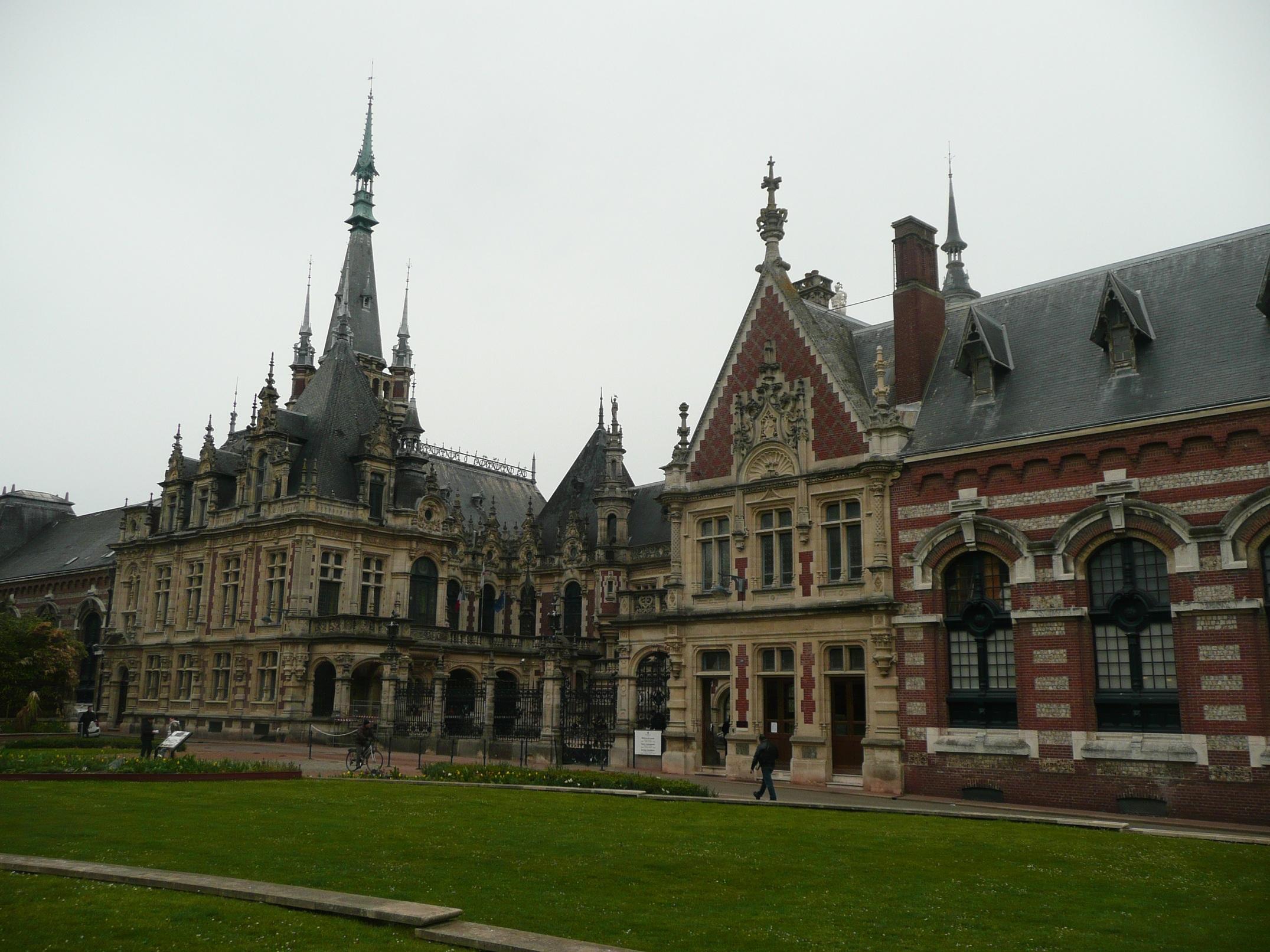 Бенедиктинский дворец