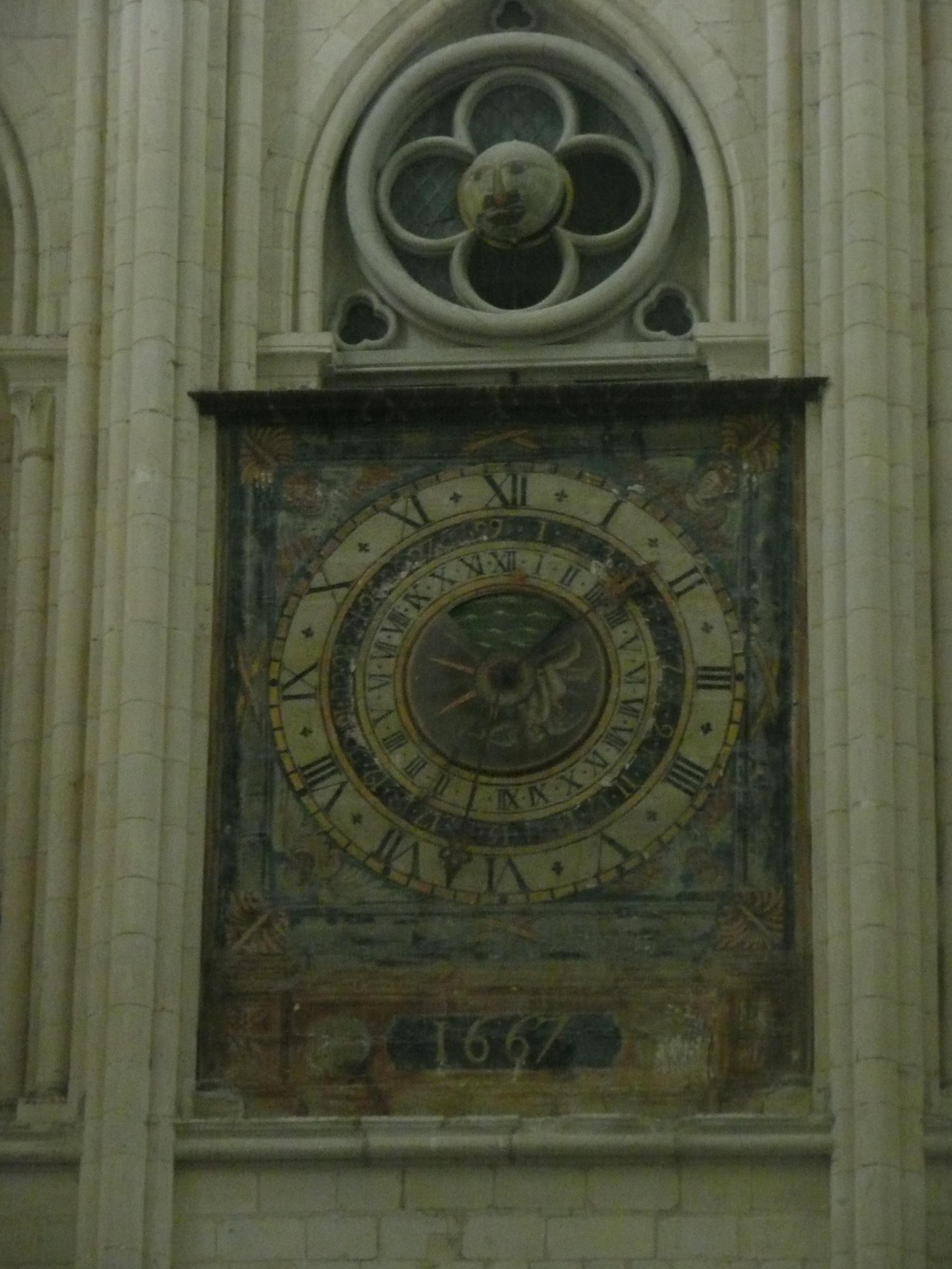 Часы в церкви Святой Троицы