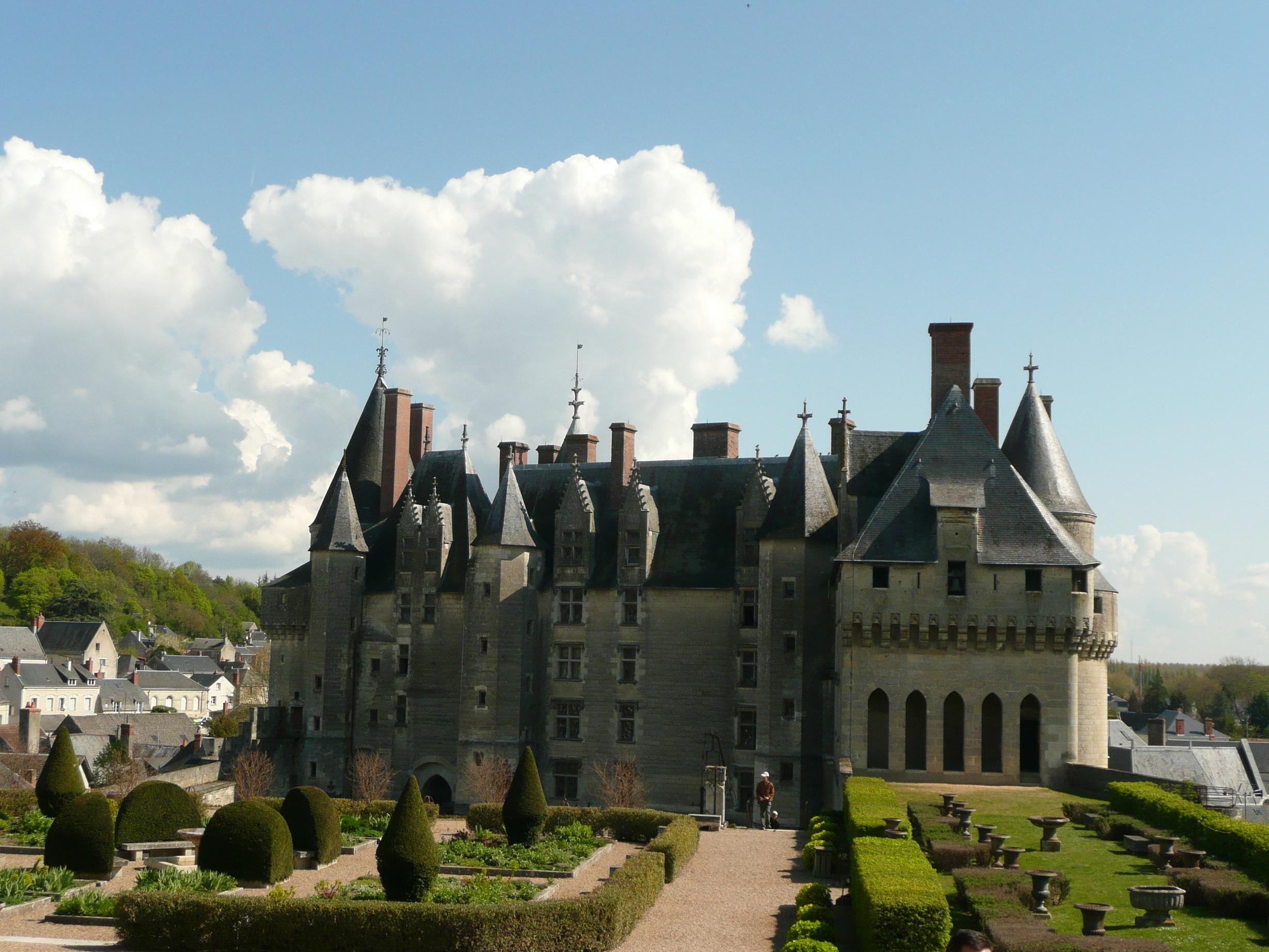 Ланже. Замок и парк