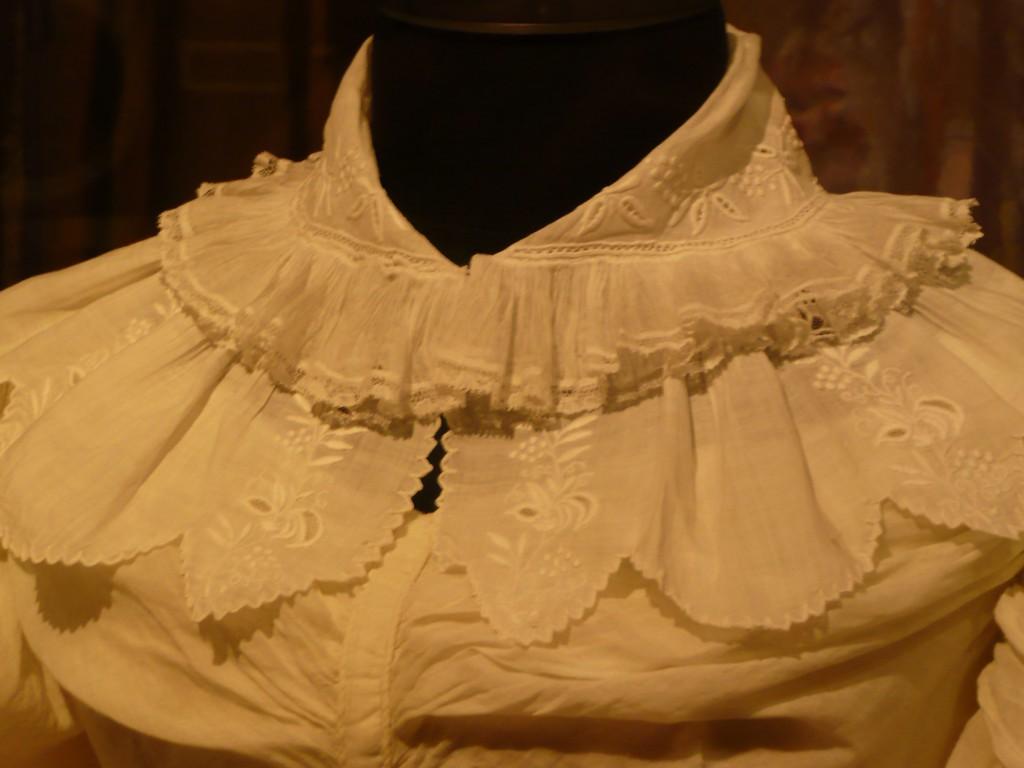 воротник дамского платья